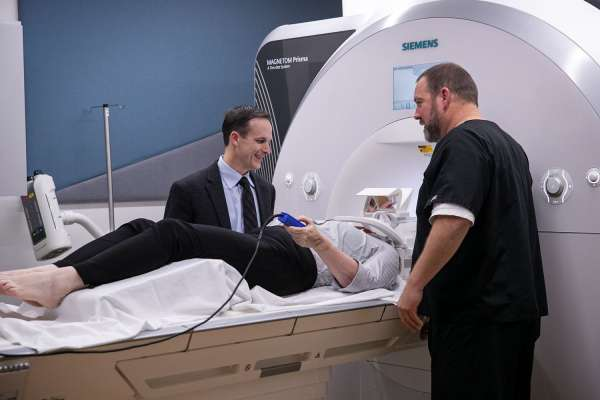Dr. Vaillancourt uses non-invasive MRI on Parkinson's patient