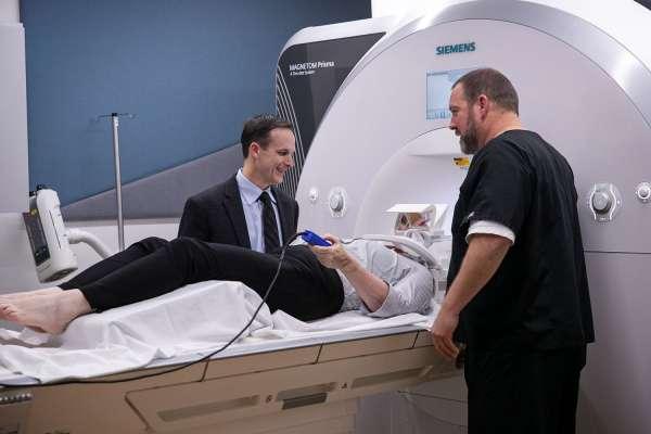 Dr. Vaillancourt uses non-invasive MRI on Parkinson's patient